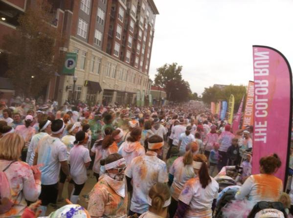 color run crowd